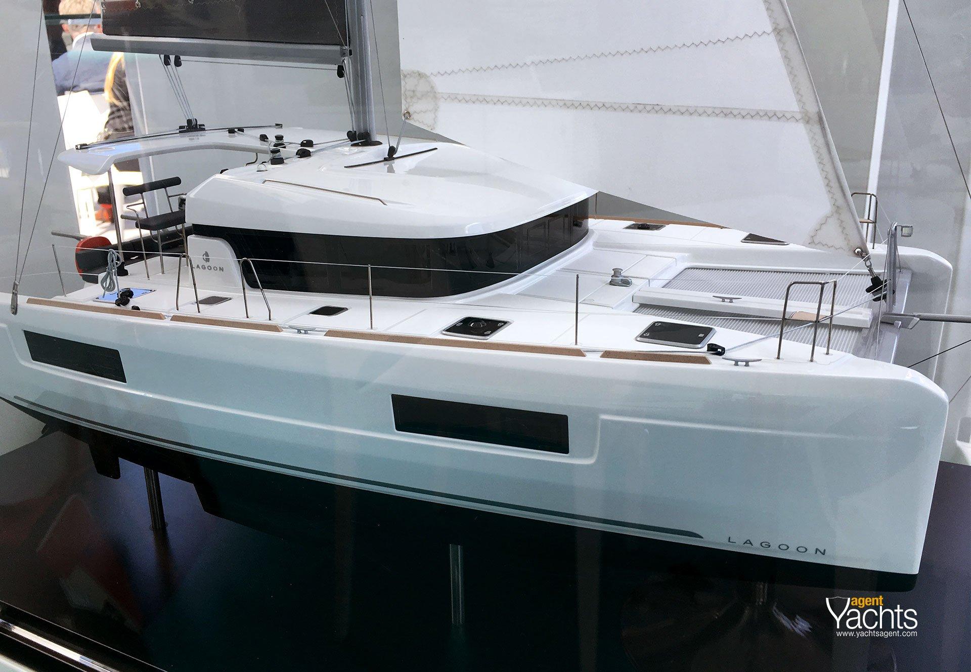Lagoon 40 model